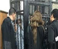 إيداع حنين حسام ومودة الأدهم القفص في بداية محاكمتهما بـ«الاتجار بالبشر»| صورة
