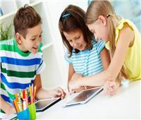 دراسة تحذر من استخدام الأطفال للشاشات التي تعمل باللمس