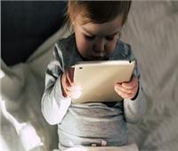 دراسة: أطفال «التاتش» نتباههم أقل