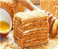 طريقة تحضير «كيك العسل» الشهي