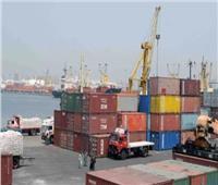 أمطار على الثغر واستمرار شحن البضائع وتداول الحاويات بميناء الإسكندرية