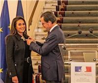 هند صبري: فخورة بحصولي على وسام الفنون والآداب الفرنسي