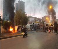 تساقط قنابل المولوتوف داخل باحة سرايا طرابلس اللبنانية