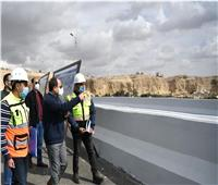 الرئيس السيسي يتفقد مشروعات تطوير القاهرة ومناطق مصر القديمة والسيدة عائشة محور الحضارات