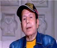 عادل الفار باكيًا: «محدش بيسأل عليا» |فيديو