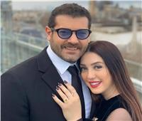 عمرو يوسف ينشر صورة مع إبنته «حياة» للمرة الأولى