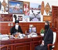 البابا تواضروس يستقبل كاهن بجنوب السودان