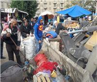 إزالة الباعة الجائلين بميدان محطة مصر وسط الإسكندرية.. صور