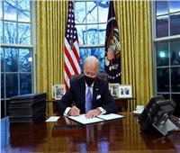 سر أقلام بايدن الـ17 لتوقيع الأوامر التنفيذية