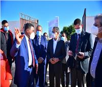 مستشار الرئيس يتفقد مشروع قرية سيدي عبدالرحمن بمرسى مطروح