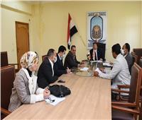 مركز تنمية قدرات أعضاء هيئة التدريس يعقد اجتماعا بقيادات جامعة الأقصر