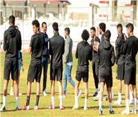 محمد أوناجم يودع لاعبي الزمالك قبل السفر للمغرب