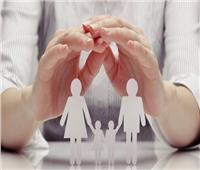 الديانة والسن أبرزها.. 14 شرطا لكفالة طفل من إحدى دور الرعاية
