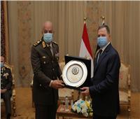 وزير الداخلية يستقبل القائد العام للقوات المسلحة للتهنئة بـ«عيد الشرطة» | فيديو