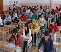جامعة القاهرة: للطلاب حرية الاختيار بين الامتحان «أون لاين» أو الحضور