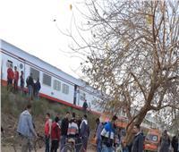 اصطدام قطار بونش على مزلقان سكة حديد قرية فزارة بخط الصعيد