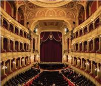 «بعد عام من كورونا».. المسرح لم يفقد بريقه في مواجهة «الجائحة»