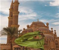 سياح يروجون للمزارات المصرية على طريقتهم الخاصة   صور