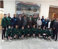 محافظ شمال سيناء يدعم فريق كرة القدم للصم فى الدورى الممتاز
