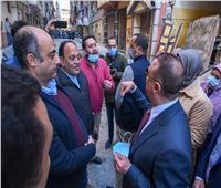 محافظ الإسكندرية: عقار «كرموز» المائل مخالف وصادر له قرار إزالة من 2009