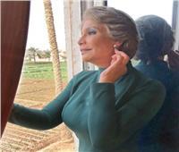 سوسن بدر تمازح محبيها بـ«فوتو سيشن» الأميرات