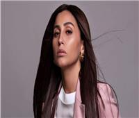 بعد الانفصال عن عمرو دياب... دينا الشربيني تبرز عضلاتها| فيديو