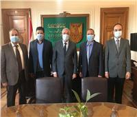 جامعة الإسكندرية توقع عقدا للإشراف على تبطين الترع بالدلنجات