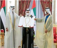 منح أنور قرقاش وسام الاتحاد في الإمارات