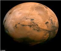 اكتشاف احتياطي كبير من الجليد على سطح المريخ