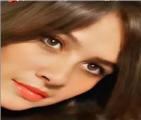 ياسمين عبدالعزيز تظهر بوجه يبرز جمال ملامحها   صور