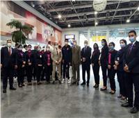 أعضاء «مجلس الأهلي» يستقبلون البعثة بالورود