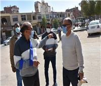 بعد الجولة الميدانية.. محافظ أسوان ينذر المقصرين من مسئولي المحليات