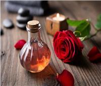 لـ«تنعيم الشعر» ..وصفة ماء الورد والبيض
