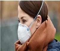 دراسة أمريكية: الرطوبة الناجمة عن ارتداء الكمامة قد تقلل من حدة كورونا