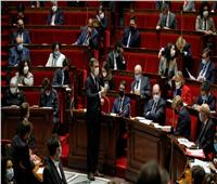النواب الفرنسيون يصوتون لتنظيم تمويل الجمعيات الدينية