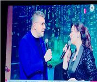 عمرو الليثي يشارك مروة ناجي غناء «بأمر الحب» لعبد الحليم حافظ | فيديو