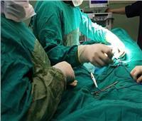 «الطفل ضياء» في حاجة لإجراء جراحة عاجلة