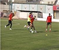 تقسيمة قوية بطول الملعب في ختام مران الأهلي