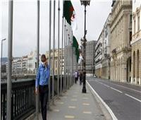 الجزائر تخفف قيود كورونا.. وتعيد الفتح الكلي للمساجد