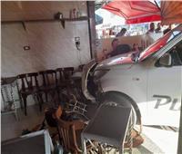 اقتحمت مقهى بسيارتها وتسببت في قتل عامل.. بدء التحقيق مع «سيدة العاشر»