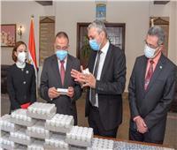 محافظ الإسكندرية يشكر نقابة الصيادلة لتبرعها بـ900 حقيبة أدوية لمرضى كورونا