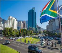 رغم سلالة كورونا الجديدة.. جنوب أفريقيا تعيد فتح حدودها البرية