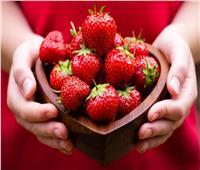 دراسة.. تناول الفراولة يحمي من سرطان المرئ