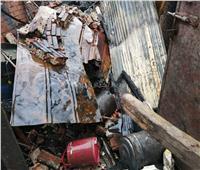 «النيابة» تعاين موقع حريق مخزن خردة في الغربية
