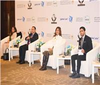 وزيرة الهجرة والدارسين بالخارج يتبادلون الآراء حول التمكين السياسي للشباب