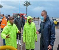 محافظ الإسكندرية يتفقد أعمال تصريف مياه الأمطار الغزيرة | فيديو