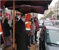 نائب محافظ الإسكندرية يتابع رفع تراكمات مياه الأمطار بالصحراوي والعجمي