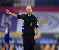 حكم إنجليزي يعود لإدارة مباريات «البريميرليج» بعد تهديدات القتل