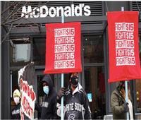 إضراب عمال «15 مدينة أمريكية»لرفع الحد الأدنى للأجور