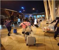 بعثة «راسينج كلوب» تصل القاهرة استعدادا لمواجهة بيراميدز
